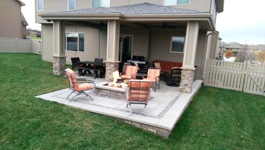 Covered patio with firepit